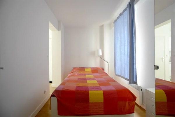 Little italy appartement chaleureux de 2 pi ces pour 3 - Louer son appartement meuble a la semaine ...