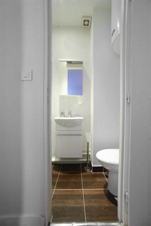Little italy appartement chaleureux de 2 pi ces pour 3 - Location meuble paris e arrondissement ...