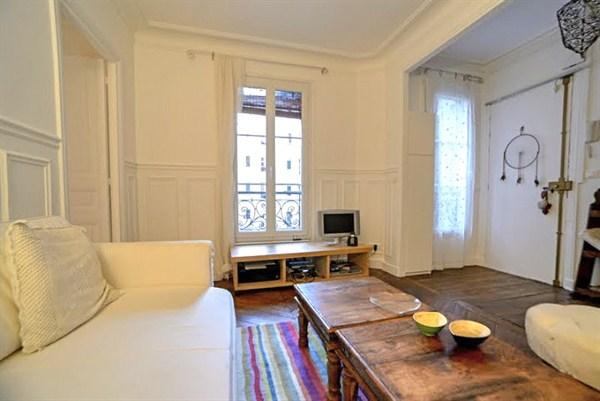Legendre splendide appartement de 2 pi ces rue legendre for Appartement meuble paris 17eme