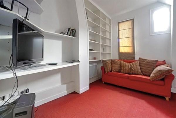 Saint charles superbe appartement familial de 4 chambres for Chambre au mois