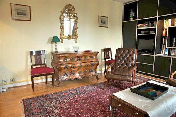 I na superbe appartement de 2 pi ces sur la prestigieuse for Appartement meuble a louer paris 16