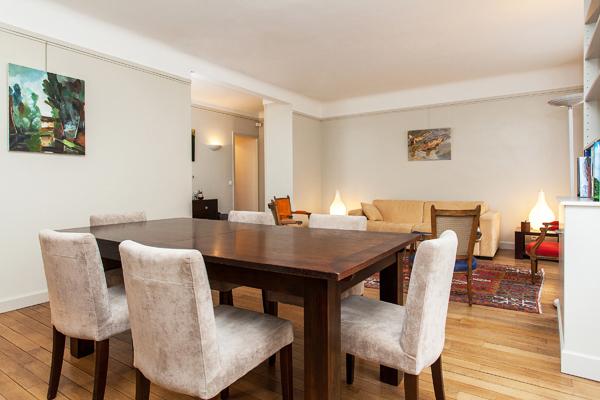 Suffren spacieux appartement de 2 pi ces la d coration raffin e la motte picquet paris - Location meublee paris 15 ...