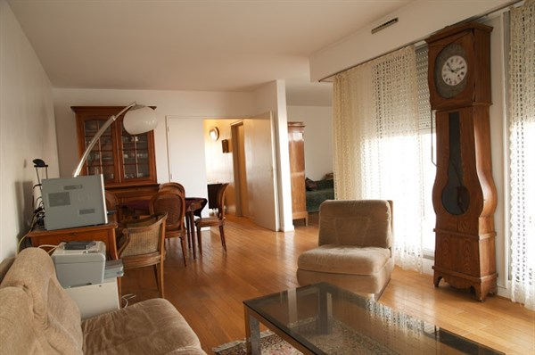 Lourmel appartement familial de 3 couchages avec une - Location meuble paris e arrondissement ...