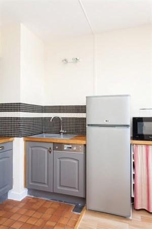 odessa splendide appartement de 2 pi ces au pied de la tour montparnasse paris 14e my paris. Black Bedroom Furniture Sets. Home Design Ideas