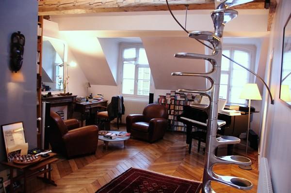 st sulpice superbe loft louer en courte dur e st sulpice my paris agency. Black Bedroom Furniture Sets. Home Design Ideas