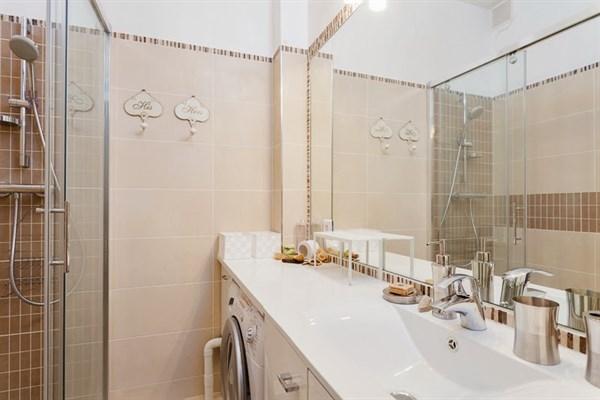 Victor superbe appartement de 3 pi ces refait neuf au - Location meuble paris e arrondissement ...
