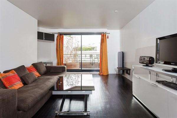 Exelmans superbe appartement de 2 pi ces l 39 allure for Location appartement design