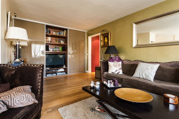 le saint lambert magnifique appartement de 3 pi ces design et moderne convention paris 15 me. Black Bedroom Furniture Sets. Home Design Ideas