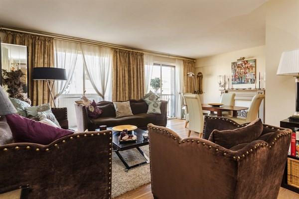 le saint lambert magnifique appartement de 3 pi ces. Black Bedroom Furniture Sets. Home Design Ideas