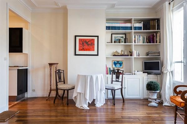 le cirque d 39 hiver splendide studio de 29 m2 l 39 esprit design pour 2 oberkampf paris 11 me. Black Bedroom Furniture Sets. Home Design Ideas