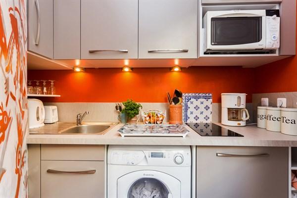 pondich ry appartement de 2 pi ces avec balcon filant. Black Bedroom Furniture Sets. Home Design Ideas