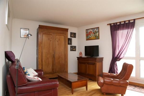 Anatole appartement lumineux de 2 chambres avec balcon au pied du m tro kremlin bic tre my - Location meublee courte duree ...