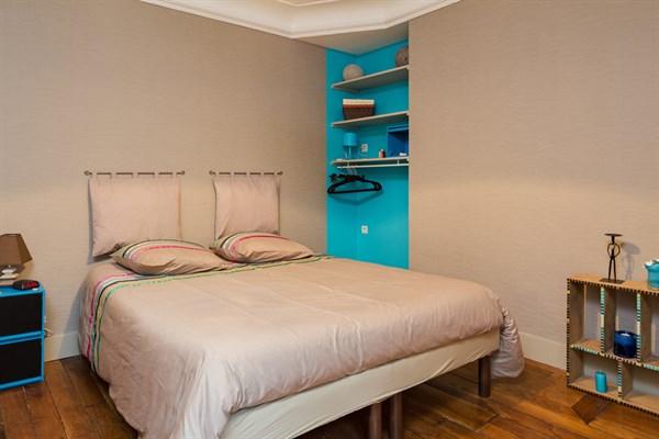 Le delta appartement de 2 pi ces design pour 4 personnes dans le quartier d 39 anvers paris 9 me - Location meublee temporaire paris ...