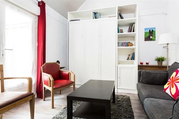 duroc magnifique appartement de 2 pi ces refait neuf sur 27 m2 pour 4 duroc paris 7 me. Black Bedroom Furniture Sets. Home Design Ideas