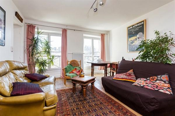Le richard lenoir grand studio meubl pour 4 oberkampf deux pas de r publique paris 11 me - Location meublee la reunion ...