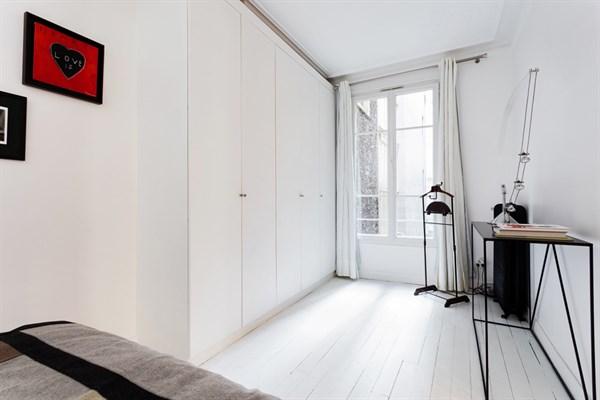 L 39 alma magnifique appartement de 2 pi ces au pied du - Louer son appartement meuble a la semaine ...