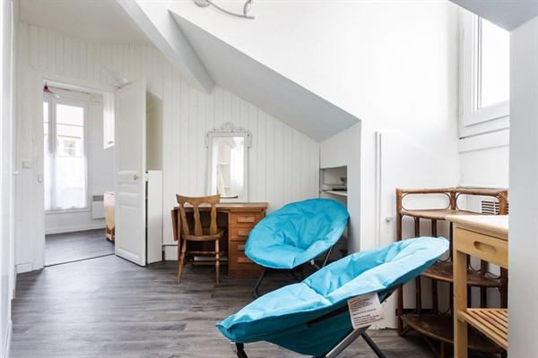 tolbiac superbe appartement de 2 pi ces refait neuf. Black Bedroom Furniture Sets. Home Design Ideas