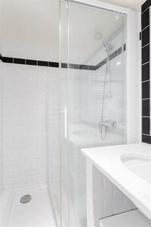 Le solf rino studio refait neuf rue de grenelle deux - Location appartement meuble paris courte duree pas cher ...