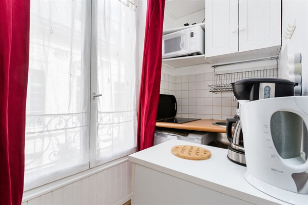 Richelieu studio pour 2 rue de richelieu dans le quartier palais royal mus e du louvre paris - Location meublee temporaire paris ...