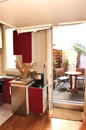 studio grenelle location en courte dur e d 39 un studio avec terrasse my paris agency. Black Bedroom Furniture Sets. Home Design Ideas