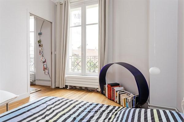 le d part bel appartement moderne louer l 39 ann e montparnasse paris 15 me my paris agency. Black Bedroom Furniture Sets. Home Design Ideas