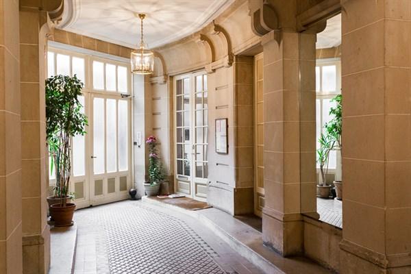 Le d part bel appartement moderne louer l 39 ann e montparnasse paris 15 me my paris agency - Location meublee paris 15 ...
