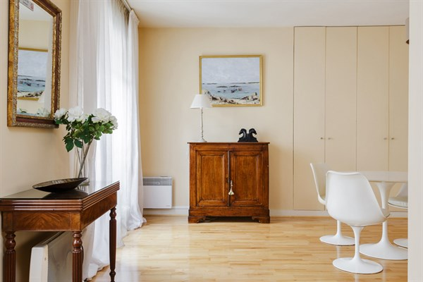 le galande tr s beau 2 pi ces louer au coeur du quartier latin my paris agency. Black Bedroom Furniture Sets. Home Design Ideas