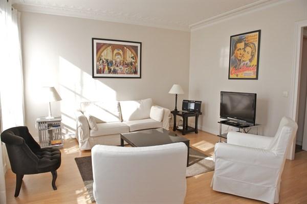 Blanche spacieux f2 de standing r nov blanche entre st lazare et montmartre paris 9 me - Location meublee saint malo ...