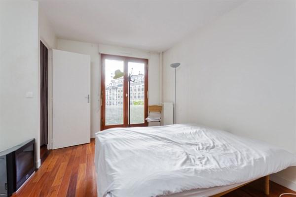Vasco de gama appartement f2 de standing avec terrasse for Chambre au mois paris
