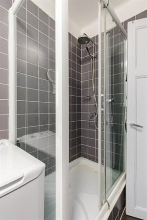 exelmans superbe appartement de 2 pi ces l 39 allure. Black Bedroom Furniture Sets. Home Design Ideas