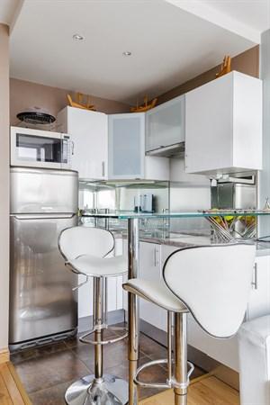 Emeriau studio avec vue panoramique dans un immeuble - Location meuble au mois bordeaux ...