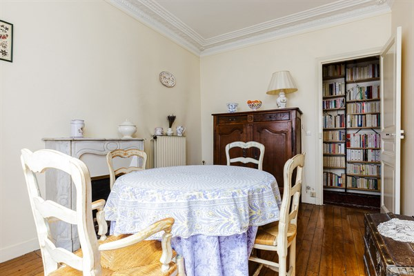 Le necker spacieux appartement de 3 pi ces la for Location meublee paris longue duree