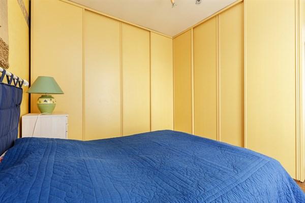 le hall bel appartement de 2 pi ces au coeur du 14 me arrondissement my paris agency. Black Bedroom Furniture Sets. Home Design Ideas