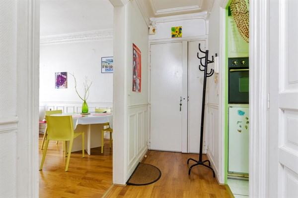 Pyr n es superbe appartement meubl de 3 pi ces id al for Location meublee paris longue duree