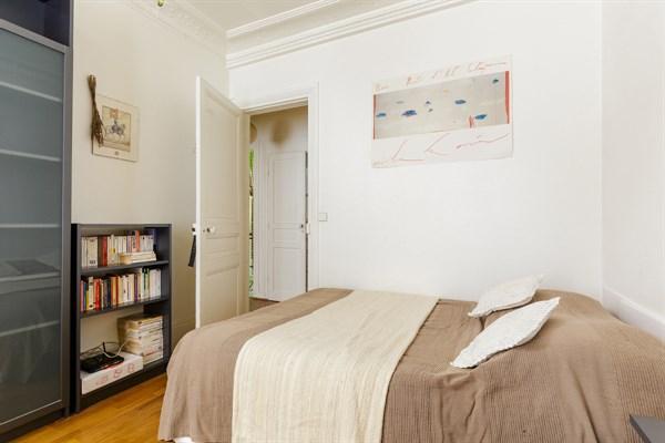 pyr n es superbe appartement meubl de 3 pi ces id al. Black Bedroom Furniture Sets. Home Design Ideas