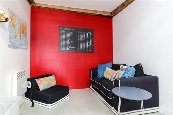 rambuteau grand studio l 39 allure moderne pour 3 rue du temple au coeur du marais paris 3 me. Black Bedroom Furniture Sets. Home Design Ideas