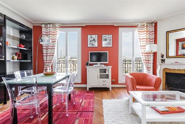 Eiffel splendide appartement de 2 chambres avec balcon - Paris location meublee courte duree ...
