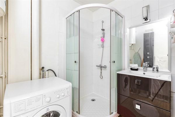 henri f3 confortable avec 2 chambres deux pas de mairie d 39 issy issy les moulineaux my. Black Bedroom Furniture Sets. Home Design Ideas