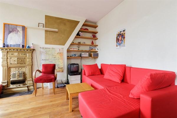 les bluets superbe appartement de 2 pi ces pour 4 dans le quartier de m nilmontant paris 11 me. Black Bedroom Furniture Sets. Home Design Ideas