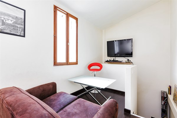 Le talisman lussuoso appartamento su due livelli con due for Appartamenti con due camere matrimoniali