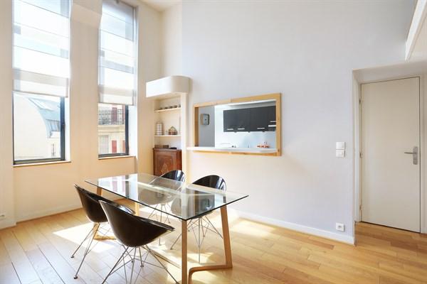 Laugier appartamento moderno e raffinato di 100 m2 con 2 for Capanna con 4 camere da letto