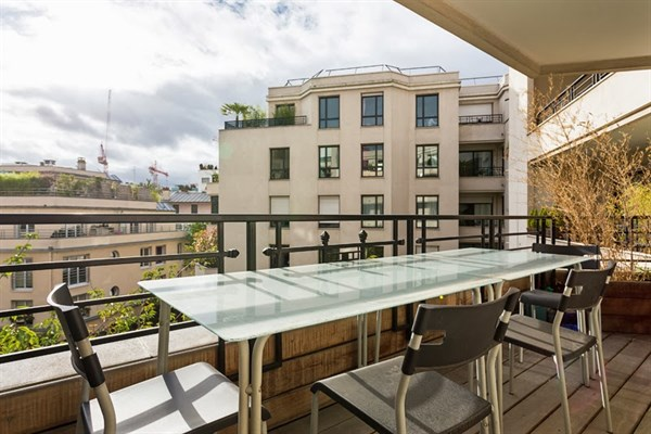Gallieni elegante appartamento di 3 stanze a gallieni for Quartiere moderno parigi