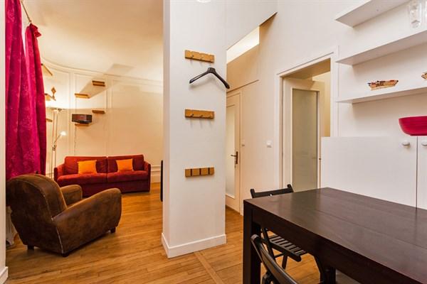 Bellefond appartamento moderno con 3 stanze a notre for Appartamenti a parigi