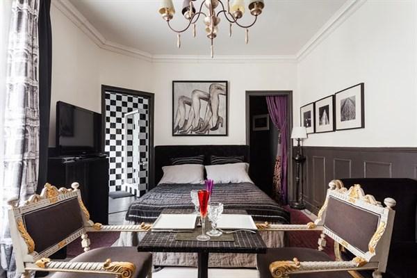 Mabillon spazioso monolocale di 38 m a saint germain de for Appartamenti a parigi