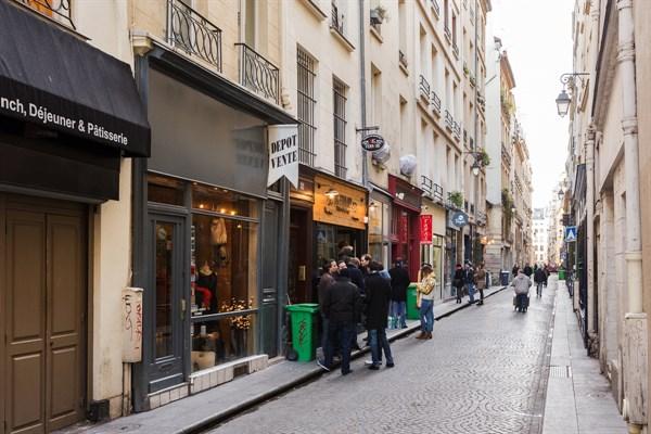 Saint sauveur comodo studio per il soggiorno di due for Soggiorno a parigi